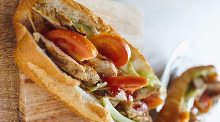 Pikáns csirkemell-szendvics